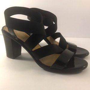 Naturalizer N5 Comfort Chunk Heel Sandals